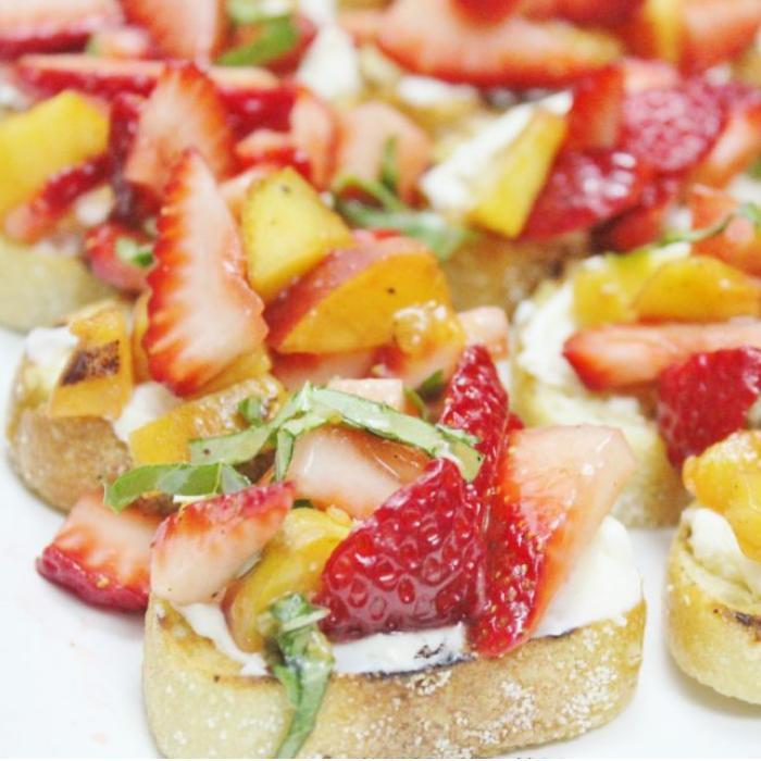 strawberry bruschetta with honey marscapone